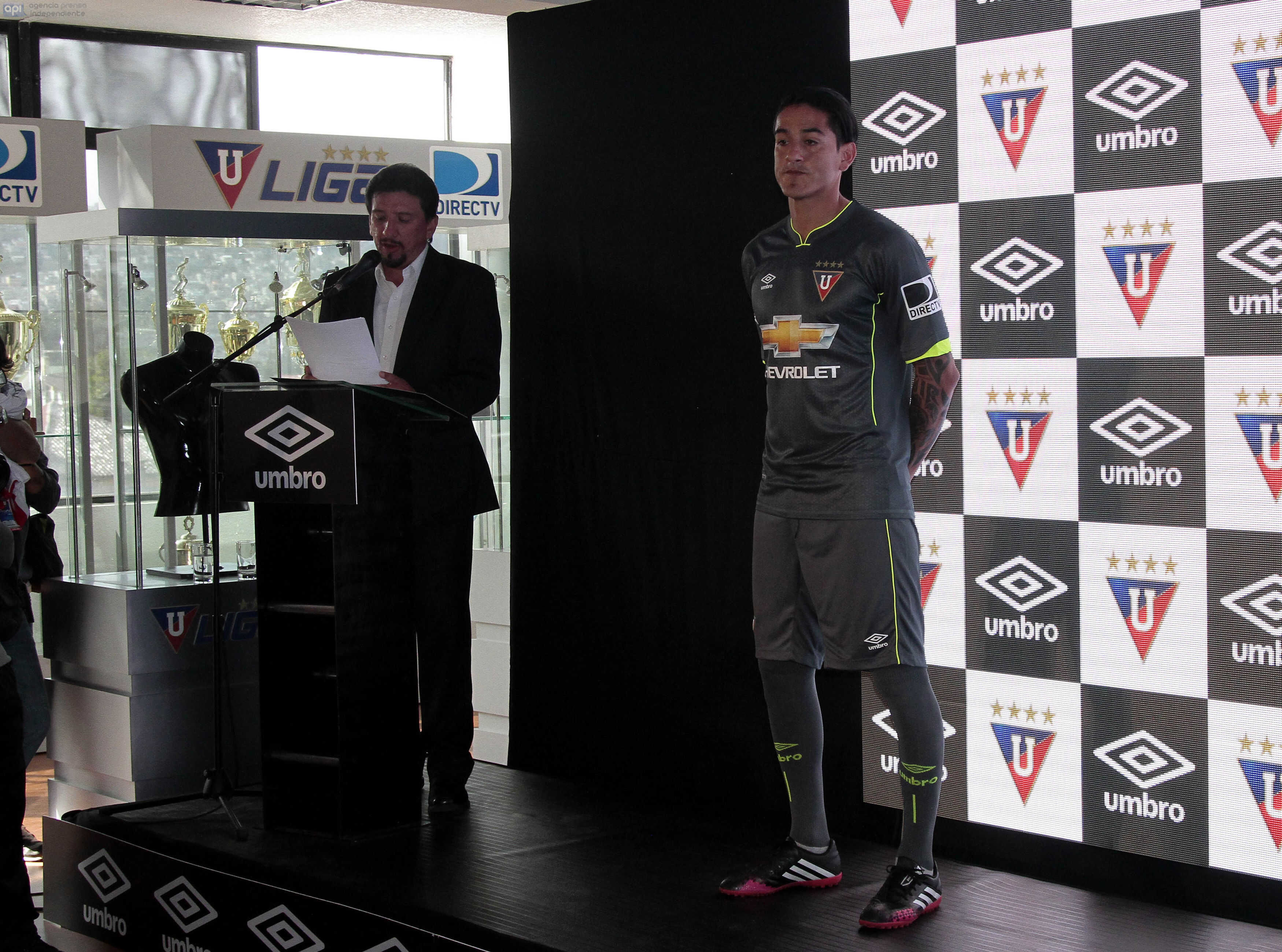 ECUADOR QUITO, 24 de ENERO DE 2016, En el estadio Casa Blanca, Liga de Quito realizó la presentación de su camiseta oficial FOTO API / JAVIER CAZAR