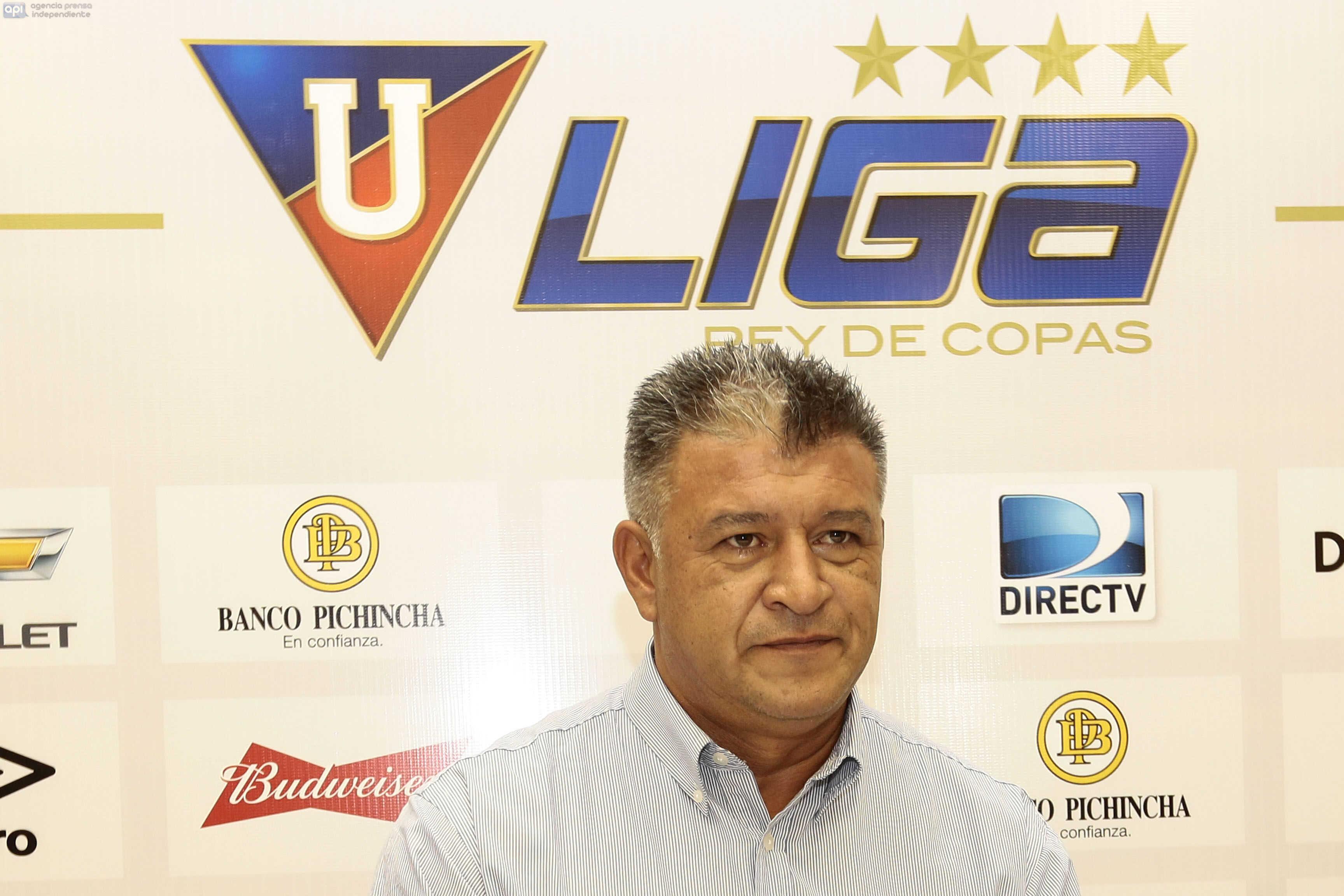 ECUADOR, Quito (09-12-2015). Liga Deportiva Universitaria presento a Claudio Borghi como el nuevo tecnico del equipo. FOTOS API / JUAN CEVALLOS .